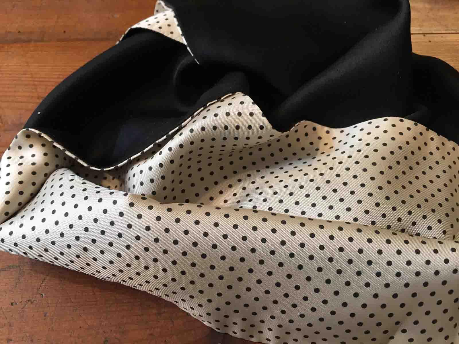 Doubleface Schal aus Seide